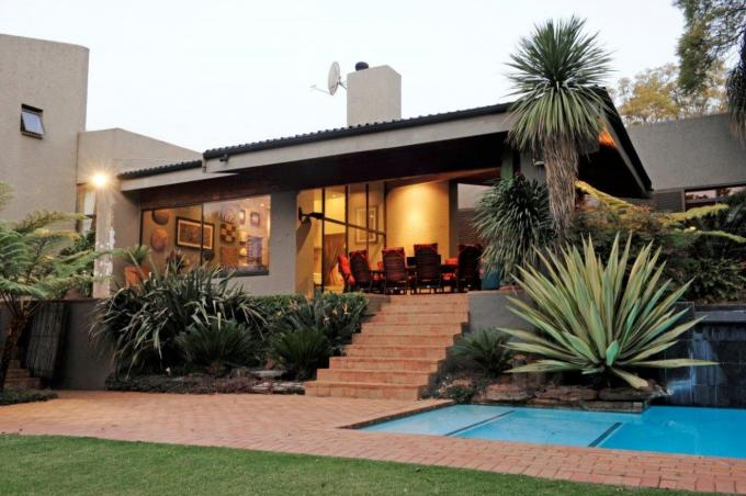 5 Bedroom House for Sale For Sale in Northcliff - Private Sale - MR141292