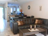 Lounges - 21 square meters of property in Windsor