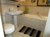 Main Bathroom - 4 square meters of property in Atholl Heights