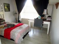 Bed Room 2 - 13 square meters of property in Atholl Heights