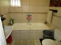 Bathroom 1 - 8 square meters of property in Atholl Heights