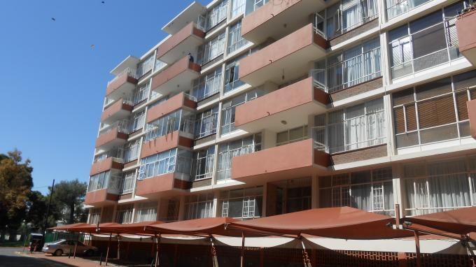 Standard Bank EasySell 3 Bedroom Apartment For Sale in Killarney - MR141335
