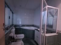 Main Bathroom - 9 square meters of property in Newlands