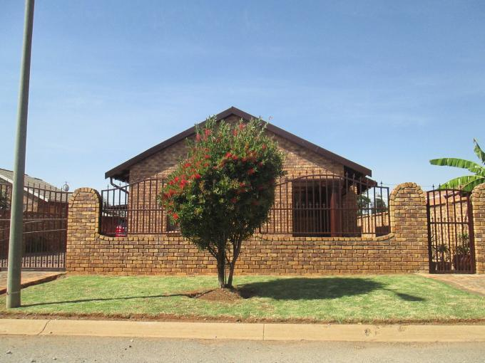 Standard Bank EasySell Sectional Title For Sale in Kempton Park - MR141342