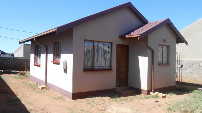 2 Bedroom House For Sale in Soweto - Private Sale - MR141380