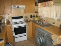 Kitchen - 7 square meters of property in Wierdapark