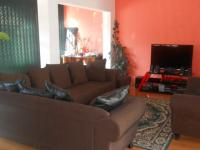 Lounges - 19 square meters of property in Vrededorp