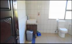 Bathroom 2 - 13 square meters of property in Kosmosdal