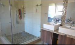 Bathroom 1 - 20 square meters of property in Kosmosdal