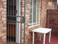 2 Bedroom 1 Bathroom Simplex for Sale for sale in Elarduspark