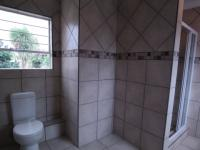 Main Bathroom - 10 square meters of property in Moreletapark
