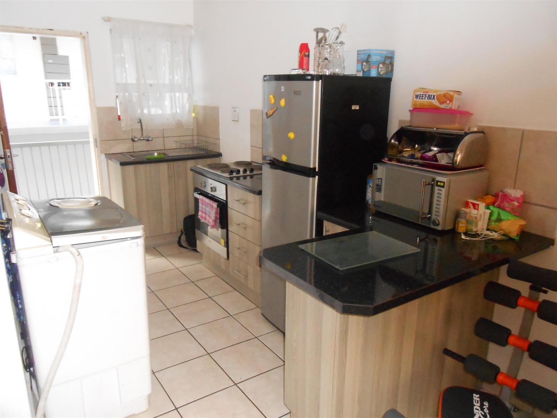 Kitchen - 89 square meters of property in Durban Central