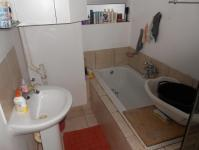 Main Bathroom - 46 square meters of property in Durban Central