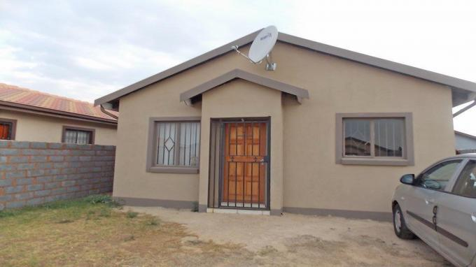 2 Bedroom House for Sale For Sale in Klippoortjie AH - Private Sale - MR141730