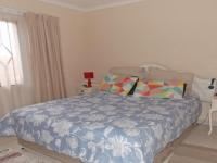 Bed Room 1 - 14 square meters of property in Klippoortjie AH