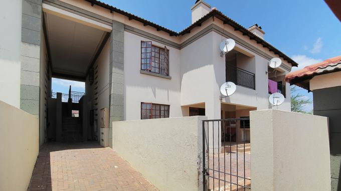 Standard Bank EasySell 3 Bedroom Apartment for Sale in Heatherview - MR141754