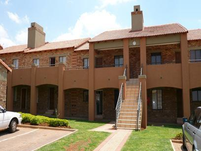 2 Bedroom Simplex for Sale For Sale in Mooikloof - Home Sell - MR14178