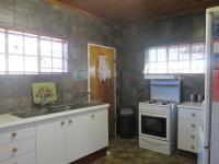 Kitchen - 14 square meters of property in Vaalmarina
