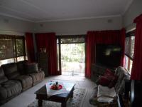 Lounges - 67 square meters of property in Umtentweni