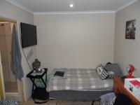 Bed Room 4 - 8 square meters of property in Umtentweni