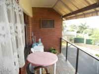 Balcony - 9 square meters of property in Umtentweni