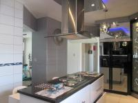 Kitchen - 19 square meters of property in Eden Glen