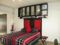 Main Bedroom - 32 square meters of property in Eden Glen