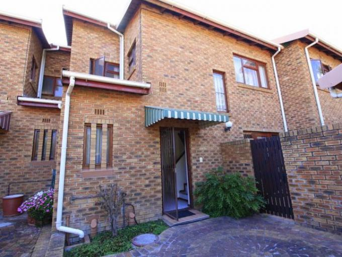 Standard Bank EasySell 3 Bedroom Sectional Title for Sale For Sale in Somerset West - MR141878