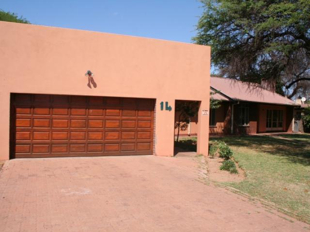 Standard Bank EasySell House for Sale For Sale in Kathu - MR141884