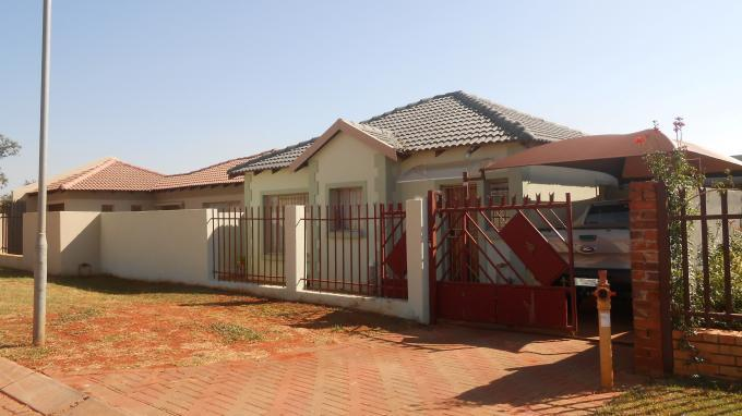 2 Bedroom Sectional Title For Sale in Clarina - Private Sale - MR141892