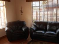 Lounges - 23 square meters of property in Emalahleni (Witbank)
