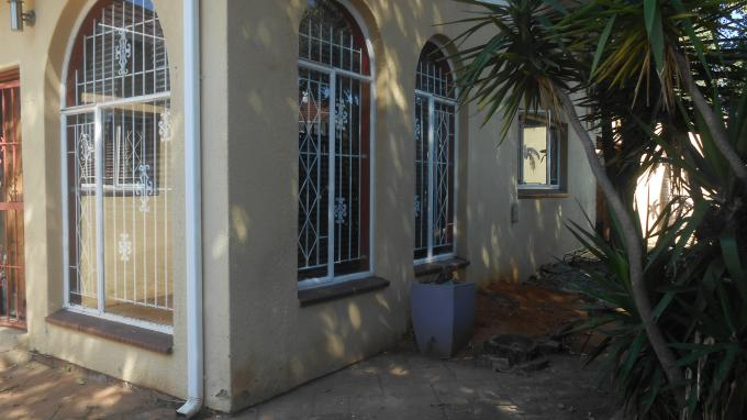 3 Bedroom House For Sale in Malvern - JHB - Home Sell - MR142067