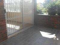 Balcony - 18 square meters of property in Eden Glen