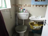 Bathroom 1 - 5 square meters of property in Table View