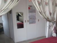 Bed Room 1 - 14 square meters of property in Table View