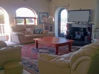 Lounges - 27 square meters of property in Mossel Bay