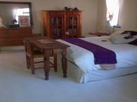Main Bedroom - 18 square meters of property in Mossel Bay