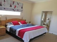 Main Bedroom - 25 square meters of property in Somerset West