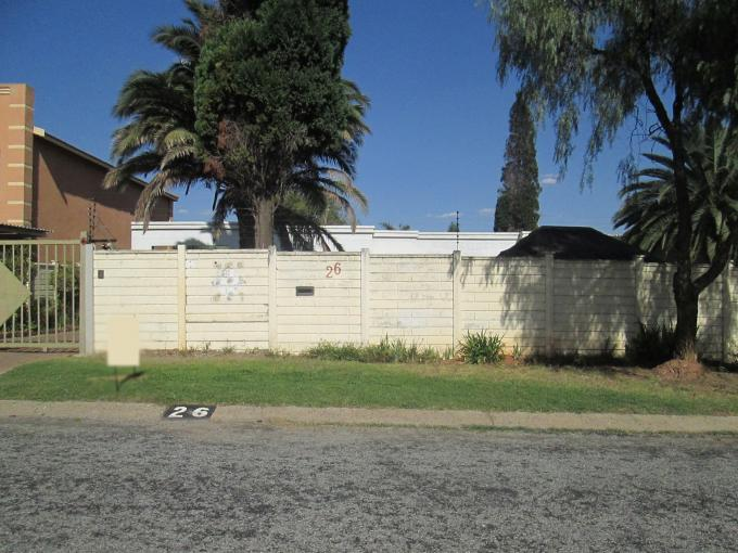 Standard Bank EasySell House for Sale For Sale in Brackendowns - MR142157