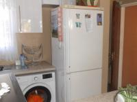 Kitchen - 11 square meters of property in La Montagne