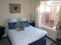 Main Bedroom - 15 square meters of property in Rooihuiskraal