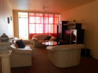 Lounges - 30 square meters of property in Yeoville