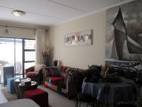 Lounges - 21 square meters of property in Greenstone Hill