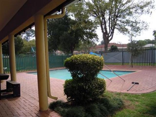 Standard Bank EasySell 2 Bedroom Sectional Title For Sale in Driefontein - MR142313