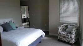 Main Bedroom - 20 square meters of property in Dullstroom
