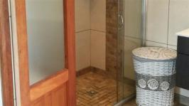 Bathroom 1 - 8 square meters of property in Dullstroom