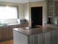 Kitchen - 13 square meters of property in Dullstroom