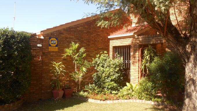 3 Bedroom Cluster for Sale For Sale in Garsfontein - Private Sale - MR142330