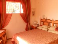 Main Bedroom - 24 square meters of property in Garsfontein