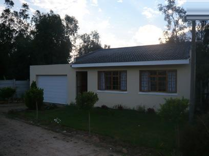 2 Bedroom House For Sale in Somerset West - Home Sell - MR14235